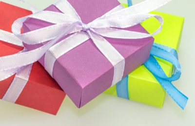 4 Simple Ways to Save Money on Gifts